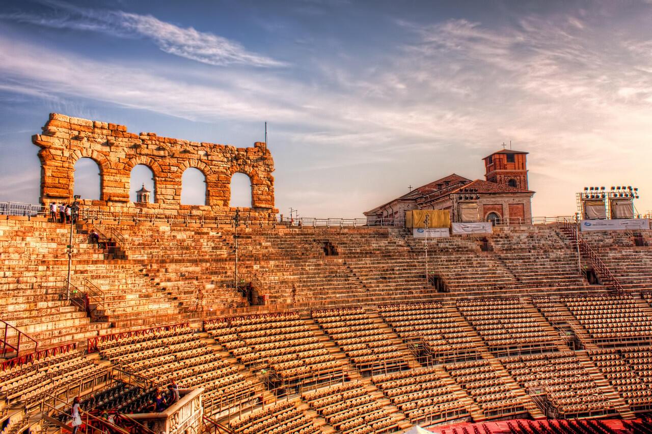 Amphitheatre Jaman Romawi yang Masih Digunakan