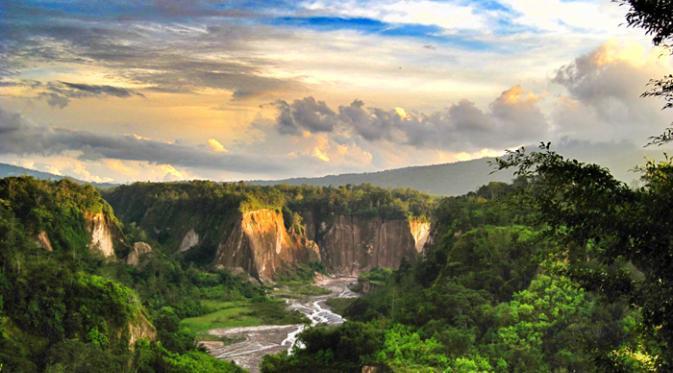 7 Destinasi Wisata Yang Terdapat Di Uang Kertas Keluaran Terbaru 2017