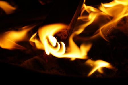 Masalah Utang, Warga Kampung Inggris Dibakar Rekan Sendiri