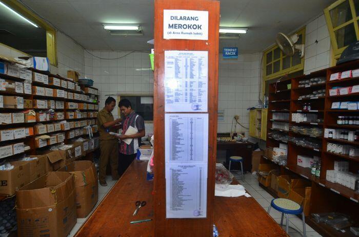 Kinerja baik industri farmasi dan koreksi harga obat-obatan