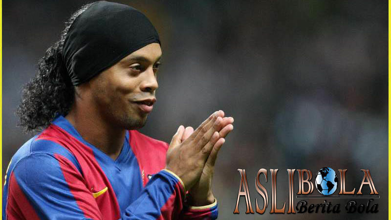 Rumor Ronaldinho Kembali Ke Barcelona