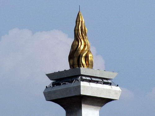 5 Fakta Teuku Markam, Pria Penyumbang Emas Monas yang Direndahkan Negara