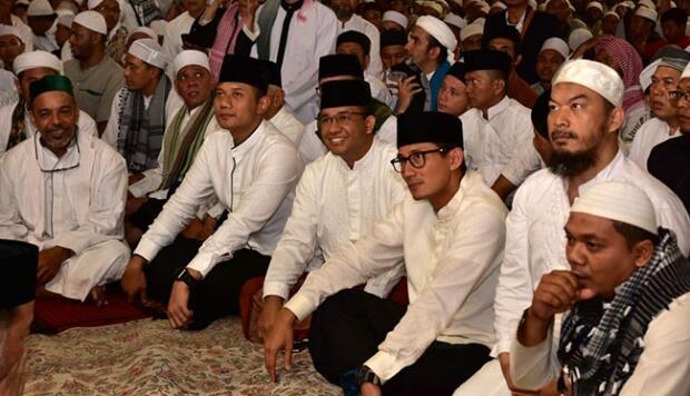 Anies-Sandi dan Agus Hadir dalam Aksi 112 di Masjid Istiqlal