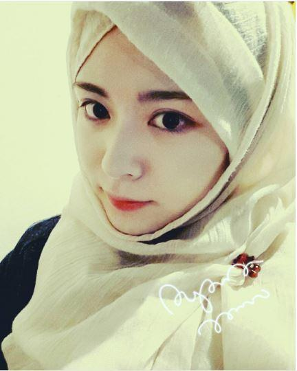 Ayana Moon, Mualaf Cantik Asal Korea Selatan yang Bikin Hati Adem!