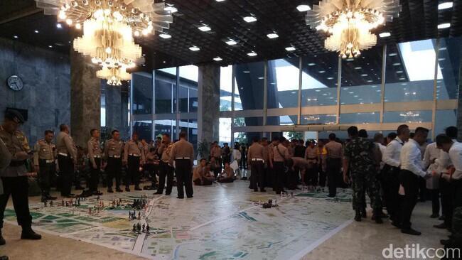 Jelang Aksi 212, Ini Persiapan Aparat Keamanan di Kompleks DPR