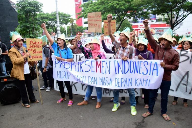 Dampak Pencabutan Izin Pabrik Semen di Rembang