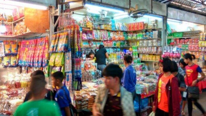 Berburu Barang Khas Indochina di Pasar Tha Sadet