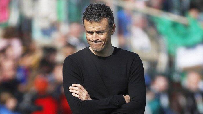 Iniesta Tegaskan Barcelona Masih Percaya Pada Luis Enrique