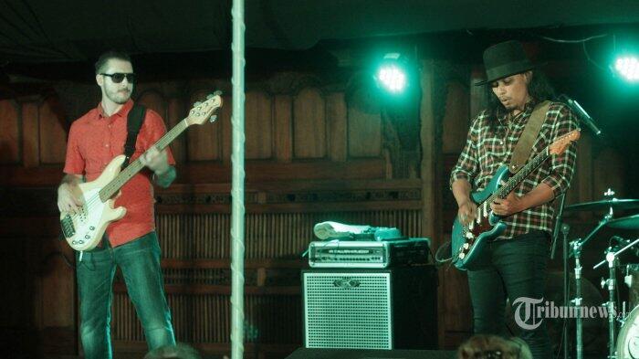 Gugun Blues Shelter Tunda Konser di Jakarta, Ada Apa?