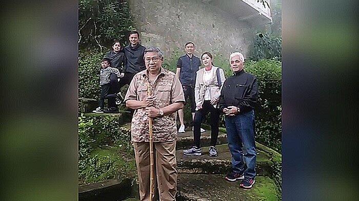 Keluarga SBY Dikabarkan Kunjungi Pertapaan Pringgodani, Ani Tak Kuat Mendaki?