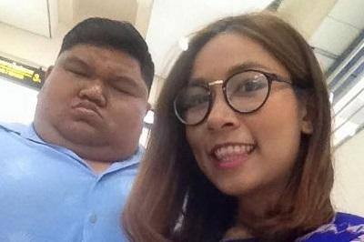 Sepasang Kekasih di Thailand Buktikan Kalo Cinta Itu Buta