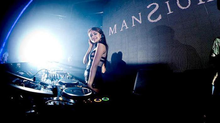 GA KUAT JANGAN LIAT! 10 HOT Female DJ Indonesia | KASKUS