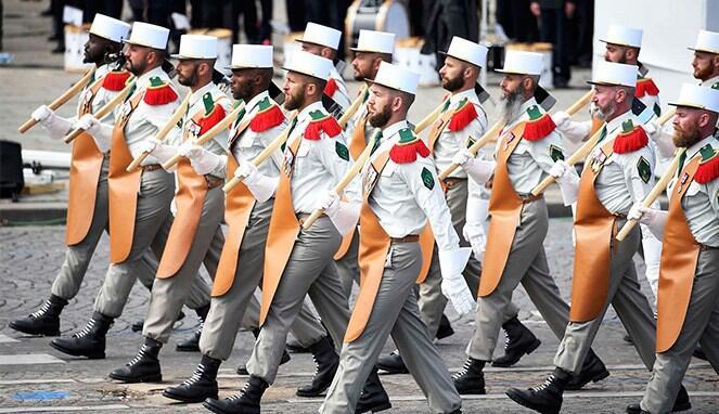 Pakaian Militer Paling Unik dan Ikonik di Dunia!!!