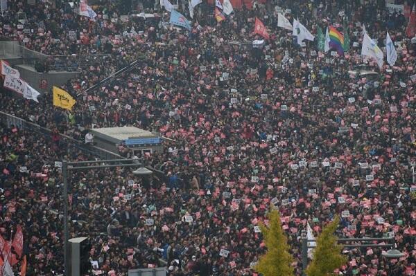 Presiden Korea Selatan Park Geun-hye Resmi Dipecat Karena Skandal