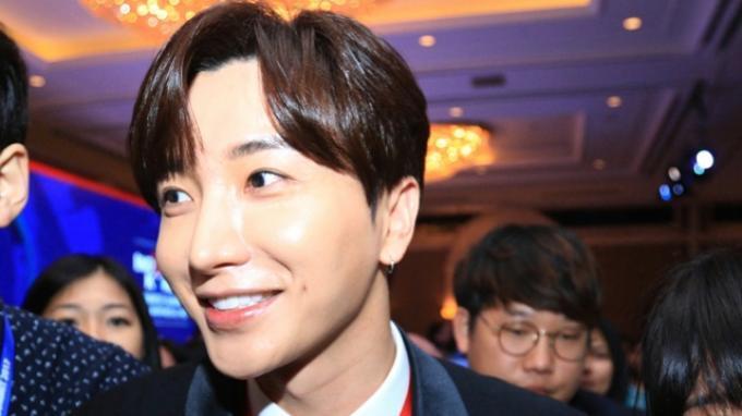 Lee Teuk 'Super Junior' Merasa Bangga dan Terhormat Diundang Jokowi