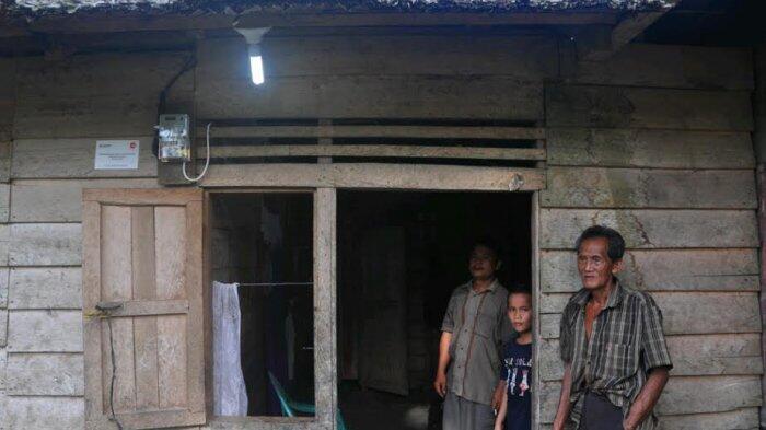 Adhi Karya Beri Bantuan Kelistrikan di Pulau Nias