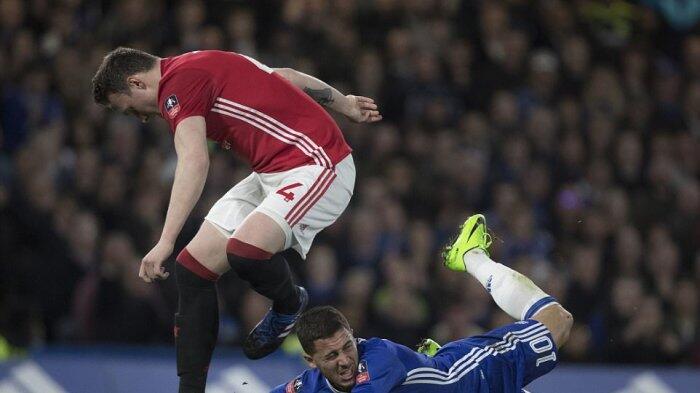 Antonio Conte: Sulit Bagi Eden Hazard untuk Main Sepak Bola Kalau Terus Ditendang