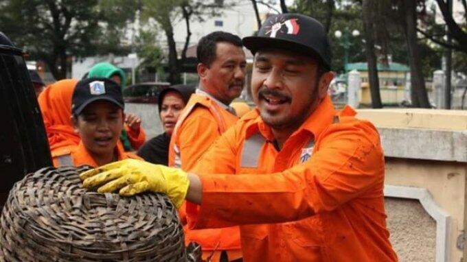 Bantu Warga Kampung Melayu, Giring Mengaku Bukan Datang Sebagai Pendukung Ahok