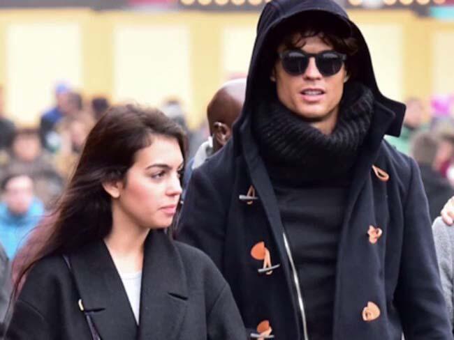 Mau Punya Anak Kembar, Ronaldo Pakai Proses Bayi Tabung?