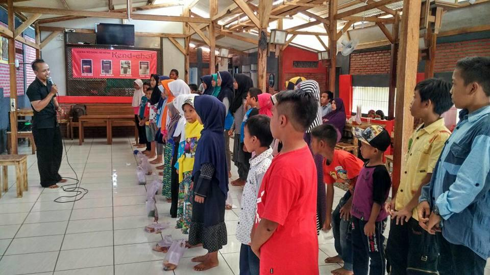 50 Anak Mendapat Bantuan dari Kaskus Regional Cilacap