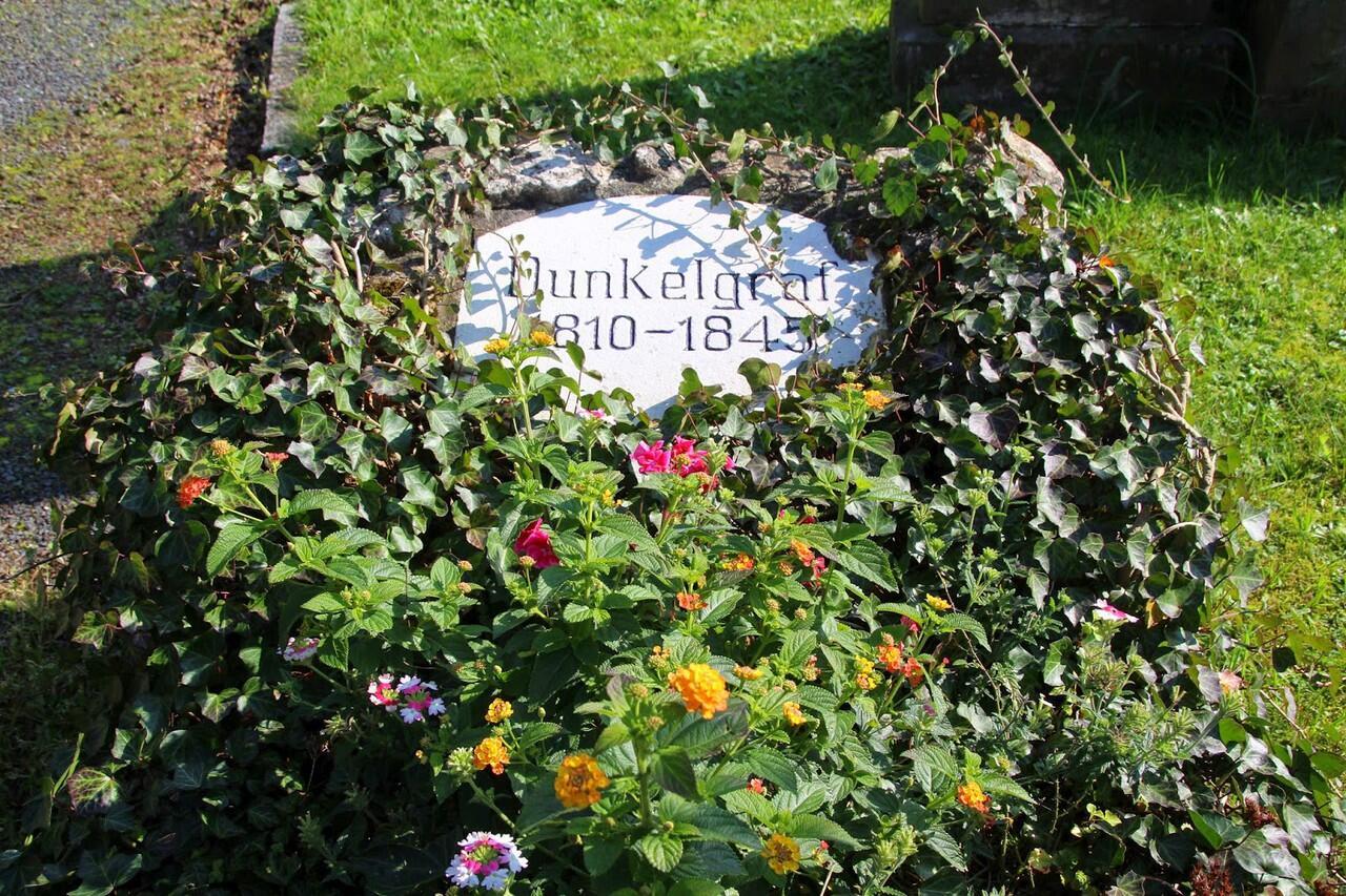 Dunkelgrafen: Misteri 200 Tahun Yang Belum Terpecahkan