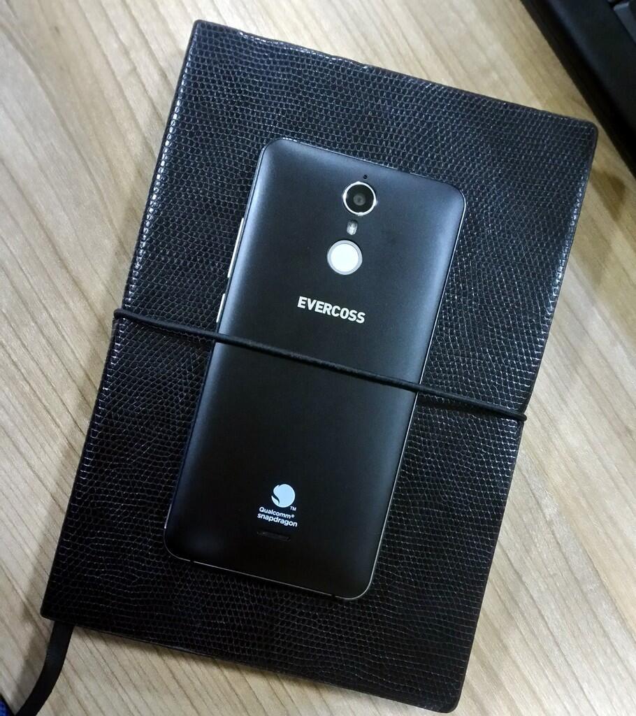 Genpro, Smartphone Murmer Hasil Kerjasama 3 Perusahaan Besar