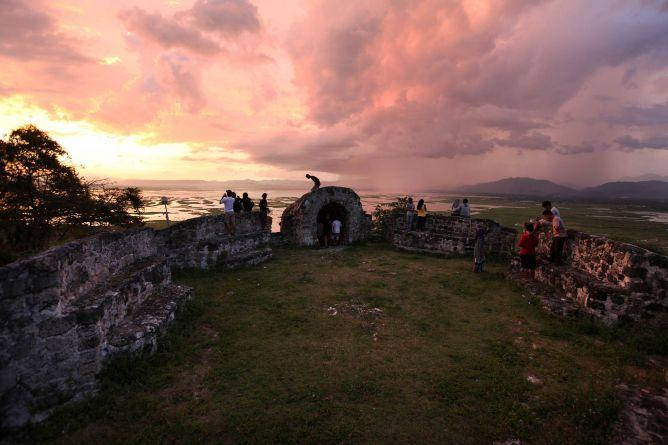 6 Lokasi Istimewa Untuk Menikmati Cahaya Senja Dari Bumi Sulawesi