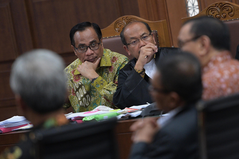 Kesaksian Novanto dan Irman tak Kompak