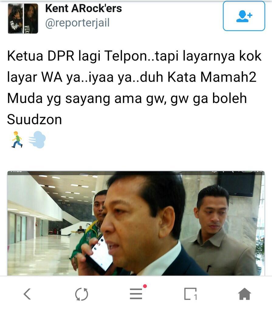 Viral Pose Menelepon Novanto yang Jadi Sorotan