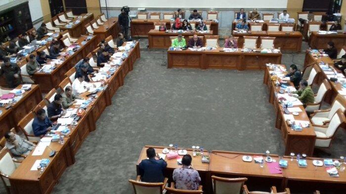 Jaksa Agung Yakinkan Komisi III DPR Penundaan Sidang Tuntutan Ahok Tidak Politis