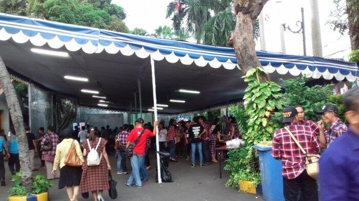 Sejumlah Komunitas Pendukung Ahok-Djarot Nobar Debat di DPW Nasdem