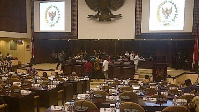 Oesman Sapta Kesal Diprotes Senator Saat Pimpin Rapat Paripurna