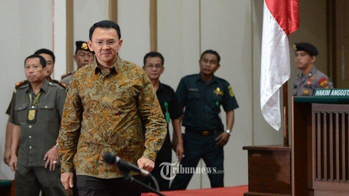 Hakim Tegur Jaksa Gara-gara Surat Tuntutan Ahok Belum Selesai Diketik