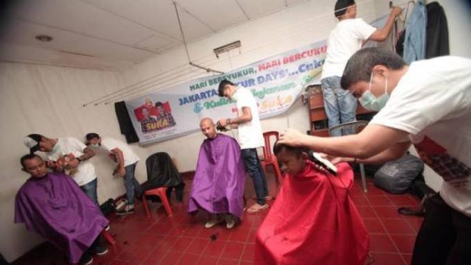 Relawan SuKA Gelar Acara 'Cukur Days'