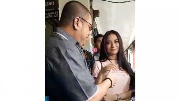 Doakan Bella Luna Bertemu Jodoh, Pengacara Razman: Jangan yang Double Lagi, Single