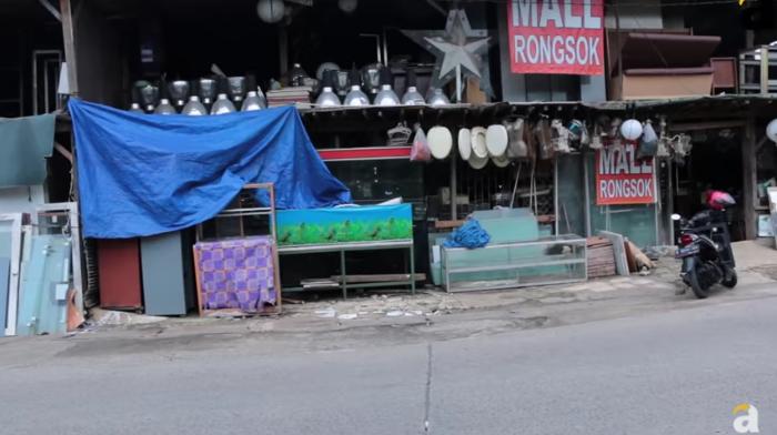 Luar Biasa! Mall Rongsok ini Hasilkan Omset Ratusan Juta Rupiah