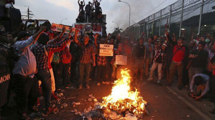 Komnas HAM Sindir Polisi yang Tak Bubarkan Massa Pro Ahok Semalam