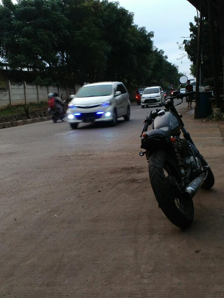 Modifikasi Motor Honda CB 100 Jadi Semakin Keren KASKUS