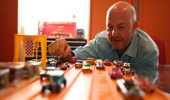 WoW... Pria Ini koleksi Hot Wheels Mainan Senilai 13 Milyar