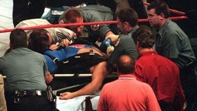 Kontroversi kematian pegulat WWE Owen Hart