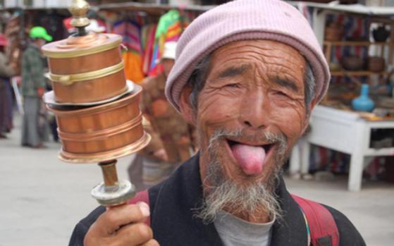 Jika Tradisi Ini Diterapkan di Indonesia, Bagaimana Jadinya Ya?