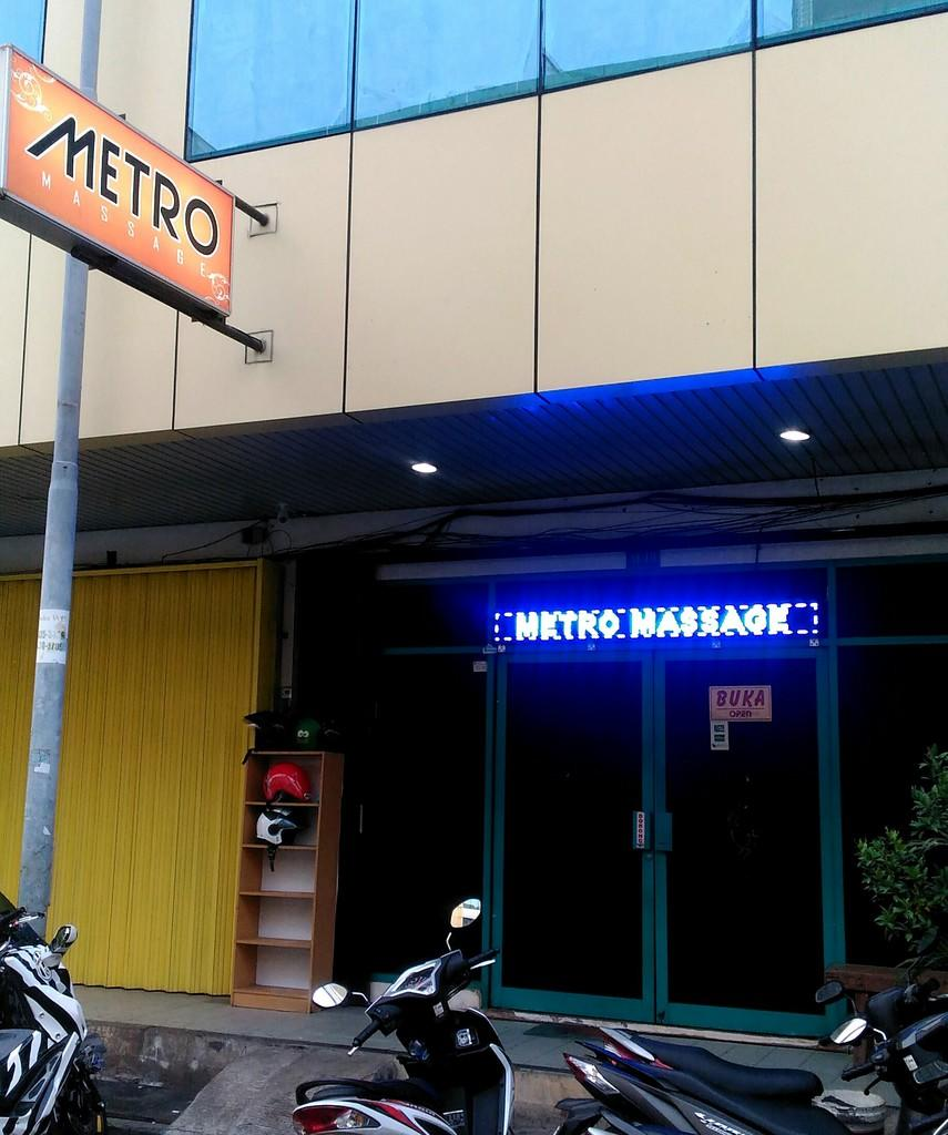 METRO MASSAGE Kelapa Gading