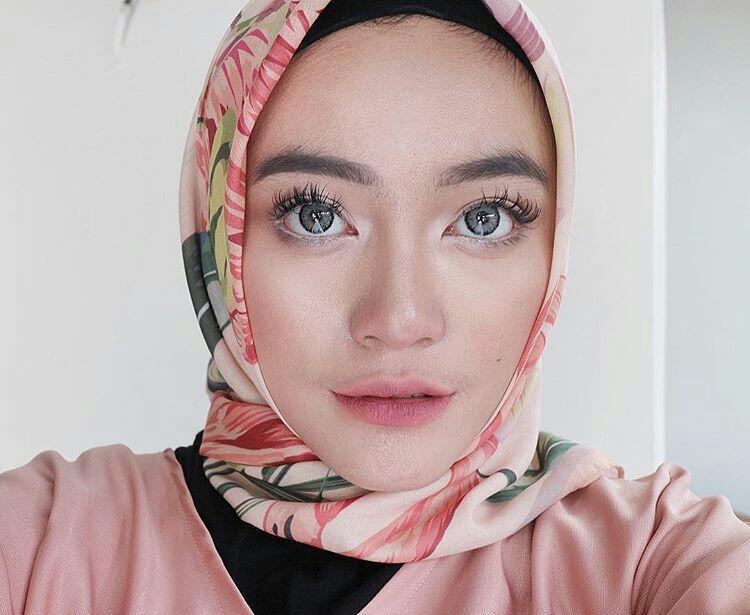 Tren Make-up Cantik yang Seringkali Buruk di Mata Para Cowok