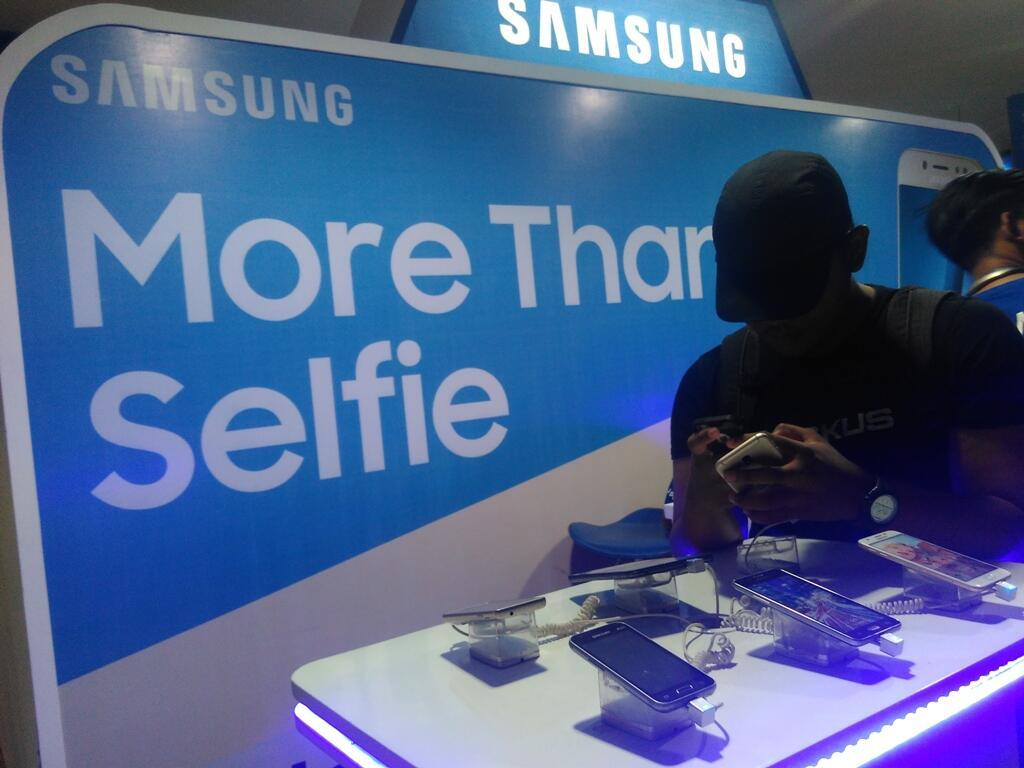 Meriahnya Event Bekasi Clothing Bersama Samsung Galaxy J5 Pro Kaskus J2 Prime Shopee Indonesia Fr