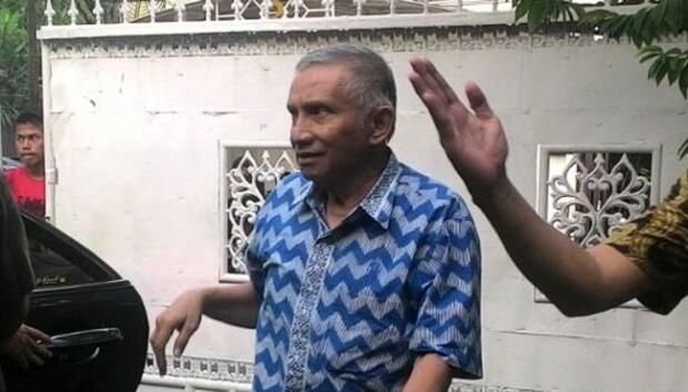 Disebut Pengkhianat, Amien Rais: Omongan Pak Try Sutrisno Ngawur Read more at https:/