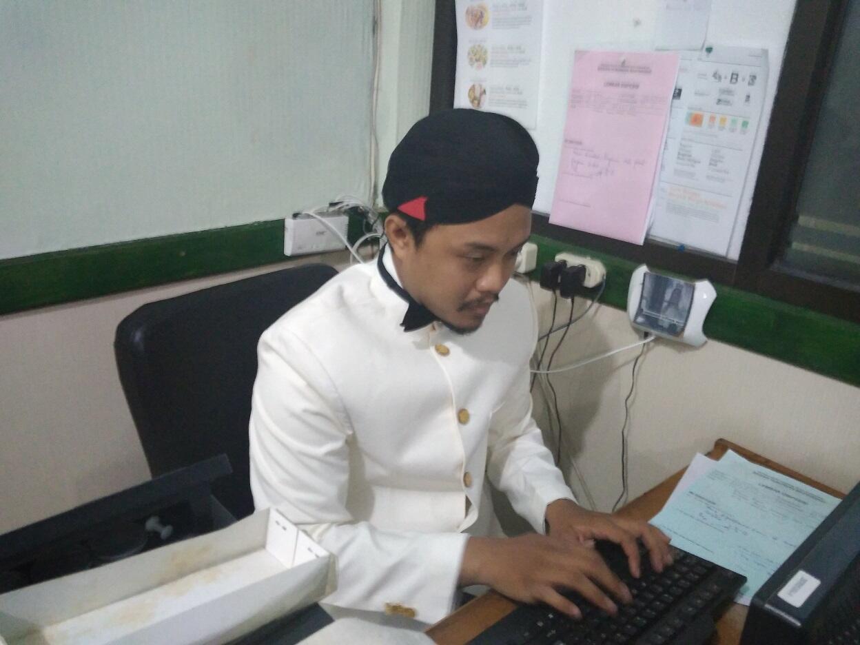 Blangkon hingga Beskap, Cara Pegawai Pemkot Surabaya Peringati Hari Pahlawan