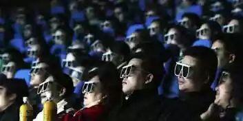Inilah Hal-Hal TERNGESELIN Kalo Agan Berkacamata! Simak Gan!