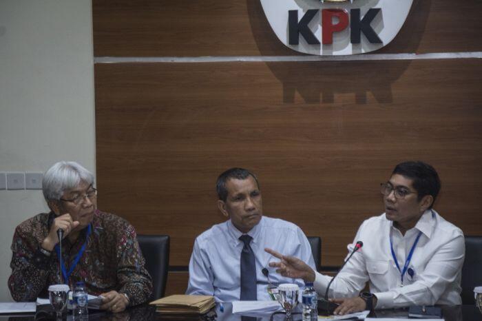 Mengurai kusut izin pertambangan di Indonesia