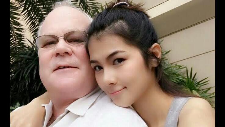 Pemeran Film Dewasa Juga Menikah Dan Mempunyai Pacar Loh Gan..