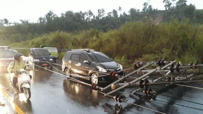 Bencana Banjir dan Tiang Listrik Tumbang Terjadi di Manado